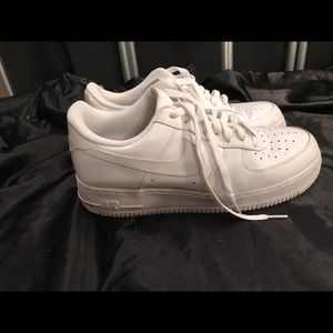 Nike air white mens size 9 gently worn